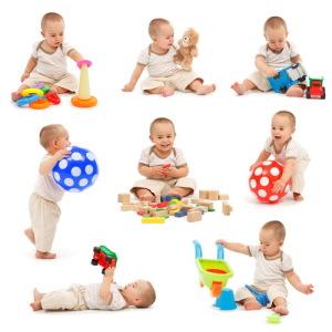 В какие игры играть с малышом до года